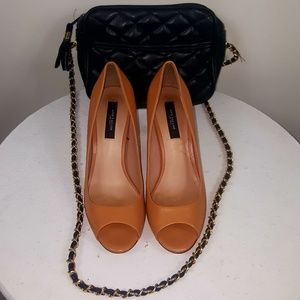 Ann Taylor Tan Leather Peep Toe Heel Pumps 8